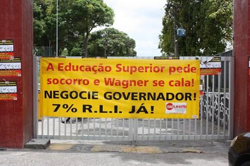 Fórum das ADs indica paralisação nesta terça-feira para denunciar descaso do gov com a educação